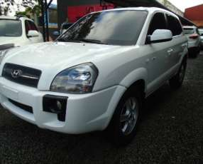 Hyundai tucson 2005 blanco aut.