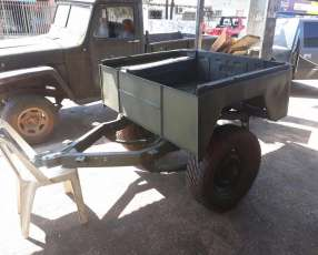 Acoplado hecho de un jeep cj5