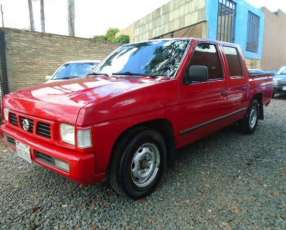 Nissan Pick Up doble cabina 2007 motor td27 diésel 4x2