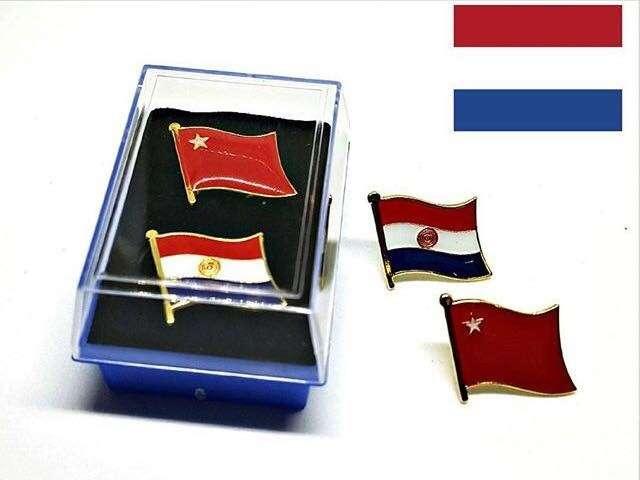 Pin del Paraguay partido colorado liberal y musicales - 0