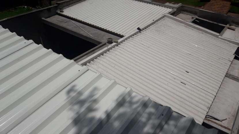 Tinglados, techos de policarbonato y chapa termoacústica