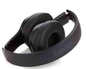 Auricular beats solo 3
