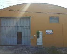 Depósito tipo tinglado en Mariano Roque Alonzo detrás de Shoping la Rural
