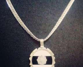 Cadena de acero con medalla de Olimpia