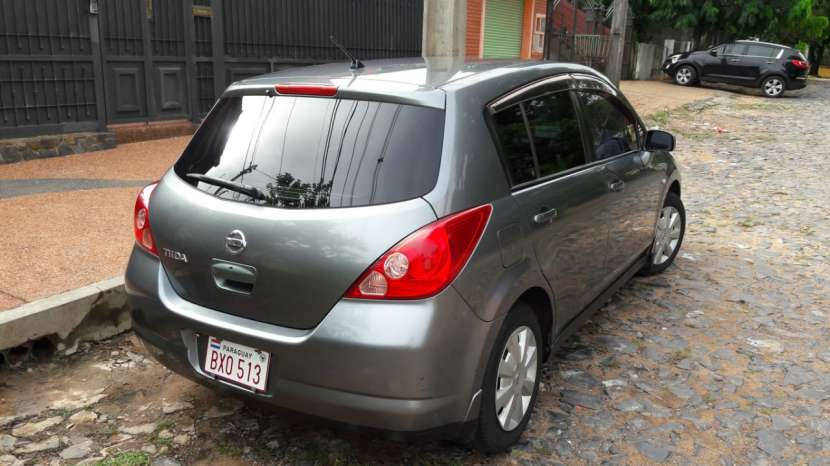 Nissan tiida hatchback 2006 version especial - 2