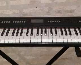 Piano Yamaha NPV60 piaggero