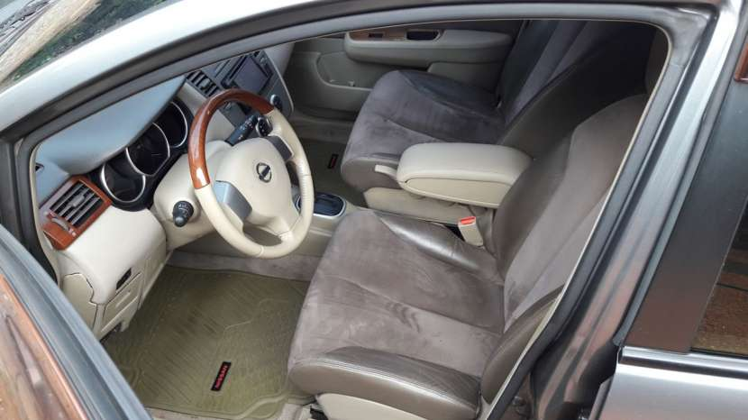 Nissan tiida hatchback 2006 version especial - 3