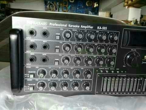 Amplificador profesional de 4 canales - 2
