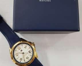 Reloj Tommy HILFIGER bordes dorados malla de silicona azul