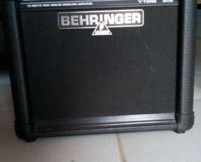 Amplificador de sonido Behringer