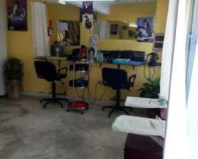 Equipamiento de peluquería completo
