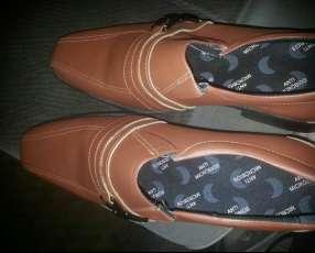 Zapato pico pato calce 43