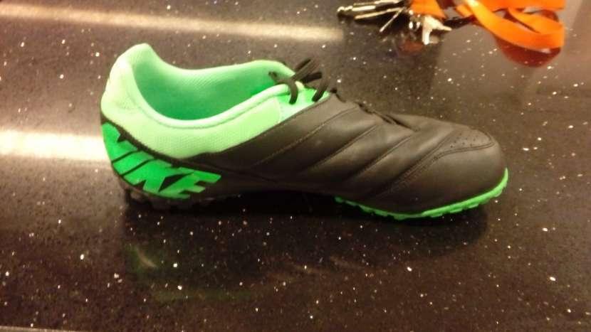 Botín Nike - 5