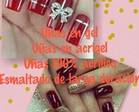 Lucí unas hermosas uñas