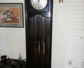 Antigüo reloj de pie