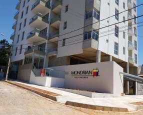 Villa Morra 1 dormitorio balcón con parrilla con cochera