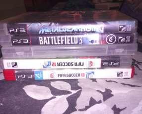 PlayStation 3 160 gb con un control y 5 juegos
