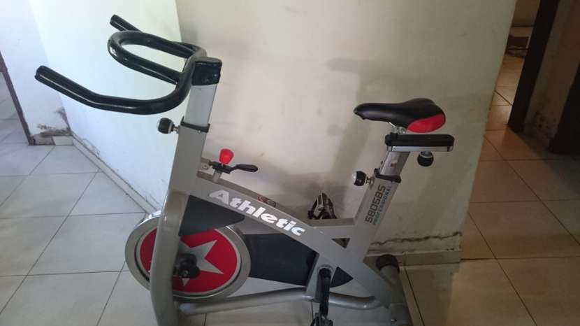 Bicicleta Spinning Profesional 5805bs Athletic 130 kilos