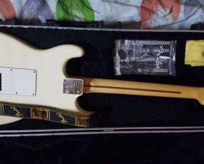 Guitarra Fender standard americana