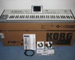 Teclado Korg Pa2XPro 76 Key Arranger Keyboard