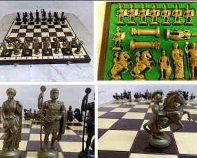 Juego de ajedrez decorativo temático Romanos