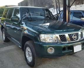 Nissan Patrol 2006 motor sencillo td42 diésel común título de Cuevas