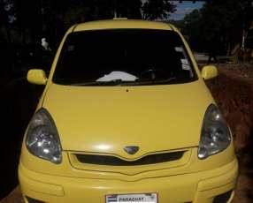 Taxi Toyota FunCargo 2003 + Parada de Taxi - San Lorenzo