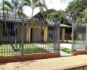 Casa en San Lorenzo zona hospital Acosta Ñu
