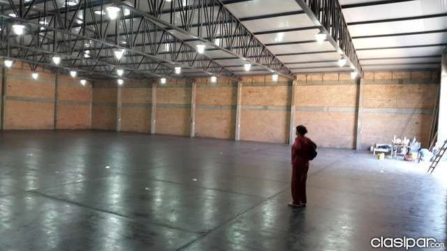 Tinglado 600 m2 zona Expo Mariano Roque Alonso