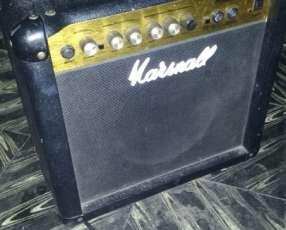 Amplificador Marshall para guitarra eléctrica