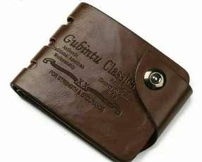 Billetera de cuero marrón