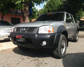 Nissan Frontier 2010 4x4 del representante