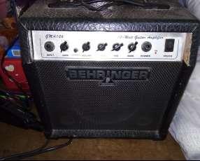 Amplificador behringer para guitarra