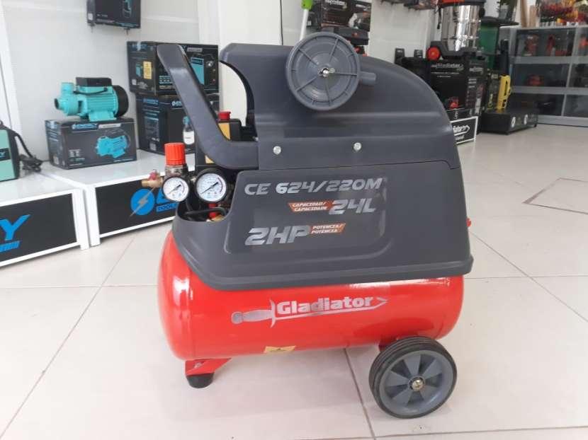 Compresor Gladiator 24 litros 2 HP