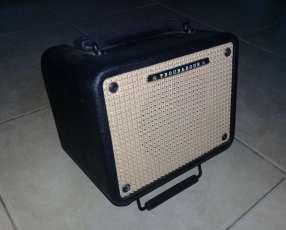 Amplificador Ibanez t15 para guitarra electroacústica