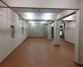 3 salones 4 oficinas 2 baños en microcentro sin garantía