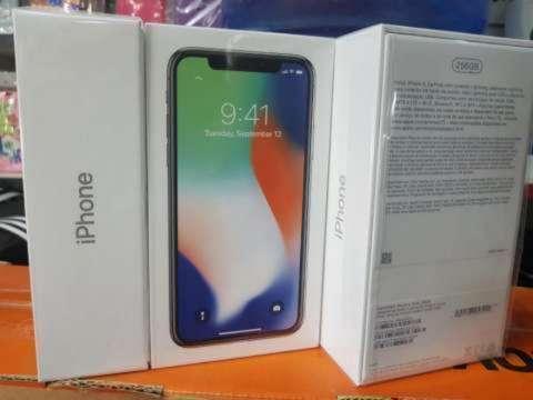 iPhone X de 256 gb nuevo en caja - 0