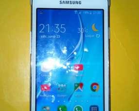 Samsung Galaxy J1 blanco