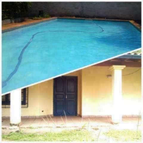 Casa con piscina en Ñemby zona Pa´i Ñu - 0