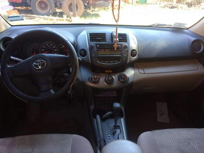 Toyota RAV4 - 2