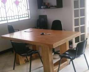 Oficina en barrio Mburucuya