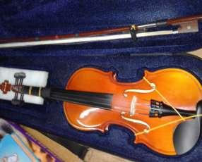 Violin 1/4 en perfectas condiciones.