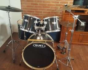 Batería (Percusión). Mapex Q series color negro.