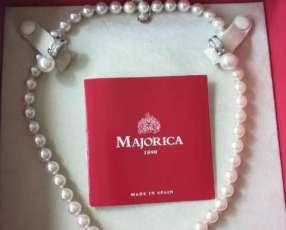 Collar de perlas y pendientes con circones