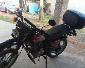 Moto kenton trx 150 semi nueva 3500 km