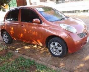 Nissan march 2003 automático naftero.