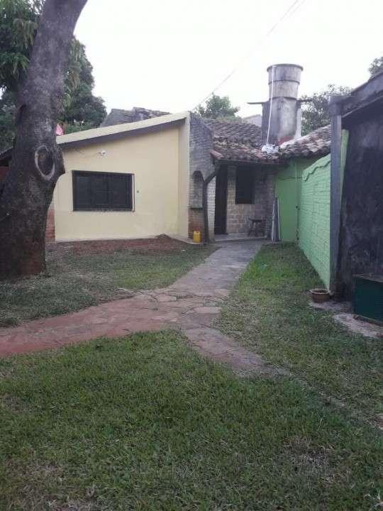 Casa de 4 departamentos individuales zona Salemma - 3