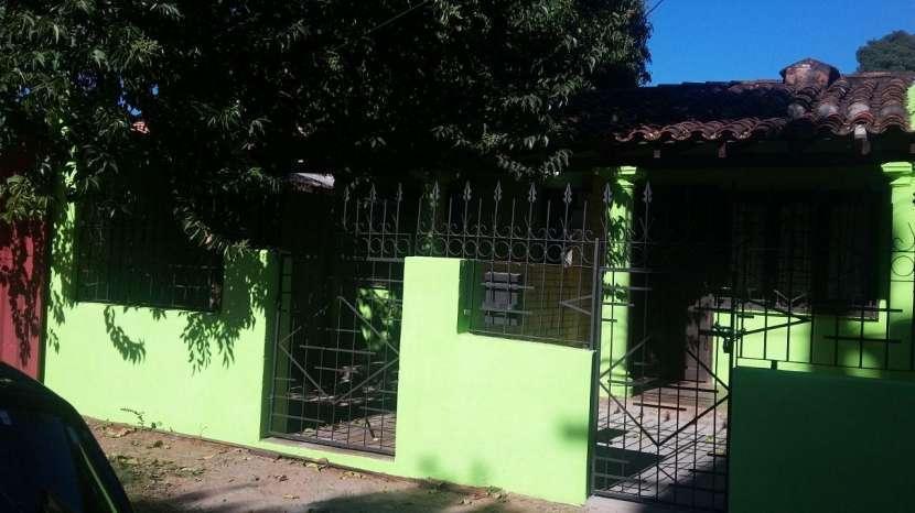 Casa de 4 departamentos individuales zona Salemma - 1