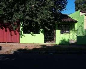 Casa de 4 departamentos individuales zona salemma