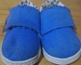 Zapato Pimpolho color celeste calce 17
